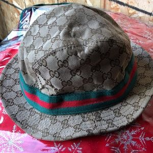 Men Gucci bucket fedora hat
